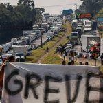 Hashtags em alta no Twitter demonstram apoio à greve dos caminhoneiros