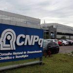 Corte de bolsas de pesquisa no CNPQ representa o fim da pós-graduação brasileira