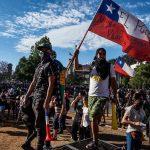 Falta de investimentos sociais provoca revoltas na América Latina