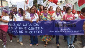 mulheres ocupam as ruas