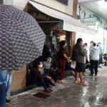 Servidores de Conquista enfrentam aglomerações em fila para receber salário na pandemia