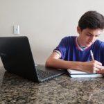 Rui Costa anuncia retorno de aulas da rede estadual para março