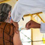 Idosos a partir de 90 anos já podem receber a 2ª dose da CoronaVac em Conquista