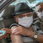 Idosos a partir de 90 anos começam a receber a vacina nesta terça-feira em Conquista