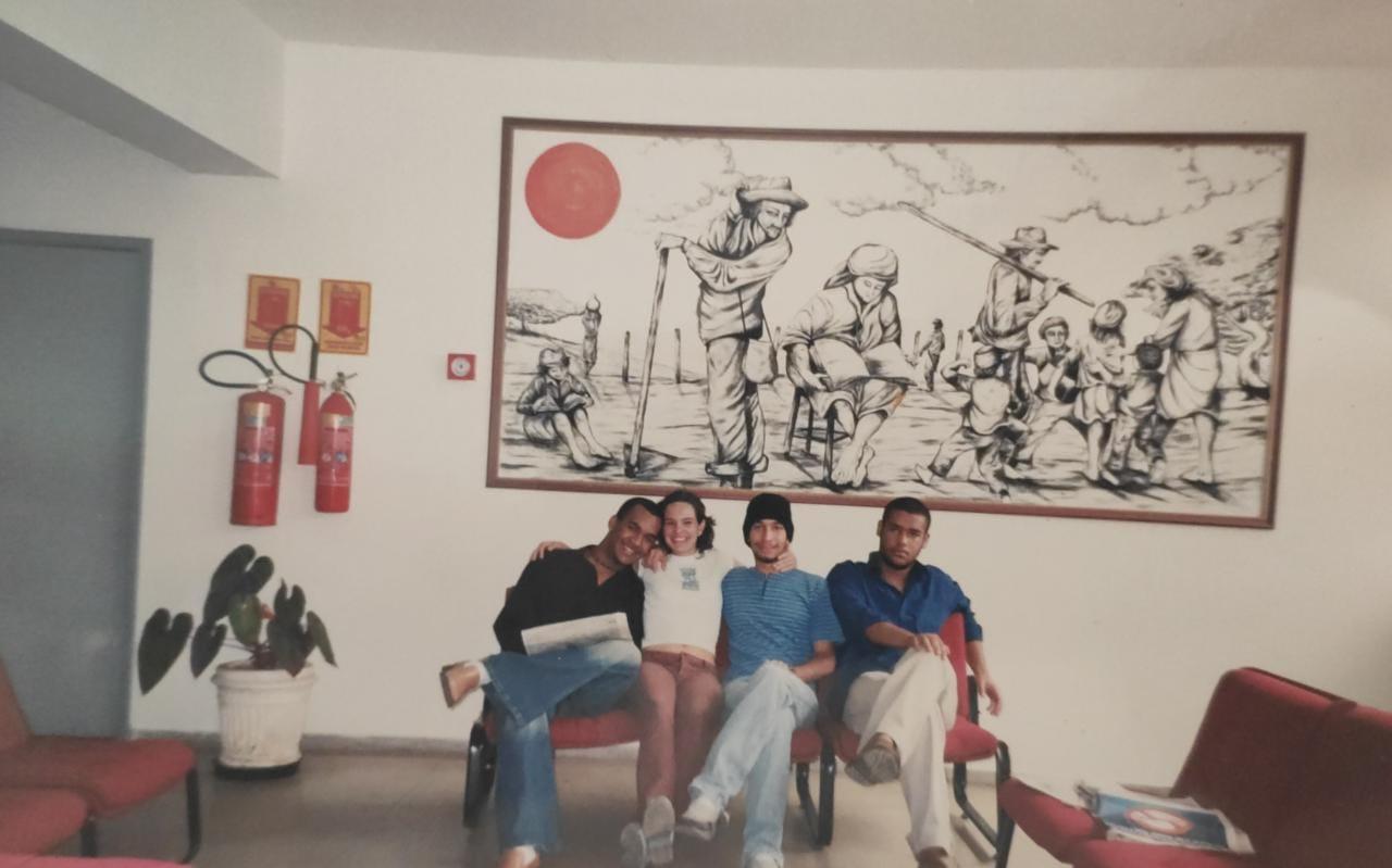 Henrique Oliveira de Araújo e colegas na reitoria da Uesb. Foto: Arquivo pessoal.