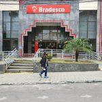 Com novo caso de covid-19 no Bradesco, banco suspende atividades em agência do Centro em Conquista