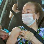 Idosos a partir de 80 anos voltam a receber a vacina contra a covid-19 nesta sexta-feira (12) em Conquista