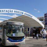 """""""Está bonito, está lindo, mas de que adianta se não tem ônibus"""", diz usuária do transporte público de Conquista"""